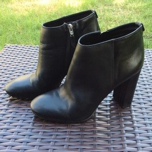 SAM EDELMAN BLACK LEATHER ANKLE BOOTIES